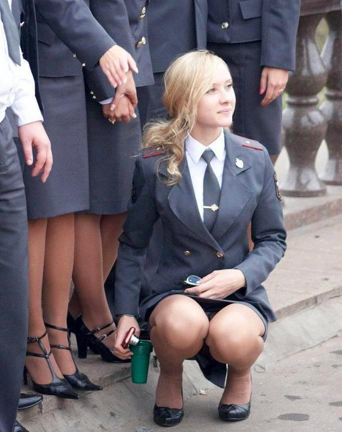 porno-pod-yubkoy-v-uniforme