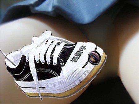 В Японии запретили обувь с камерами, которые заглядывают женщинам под юбки