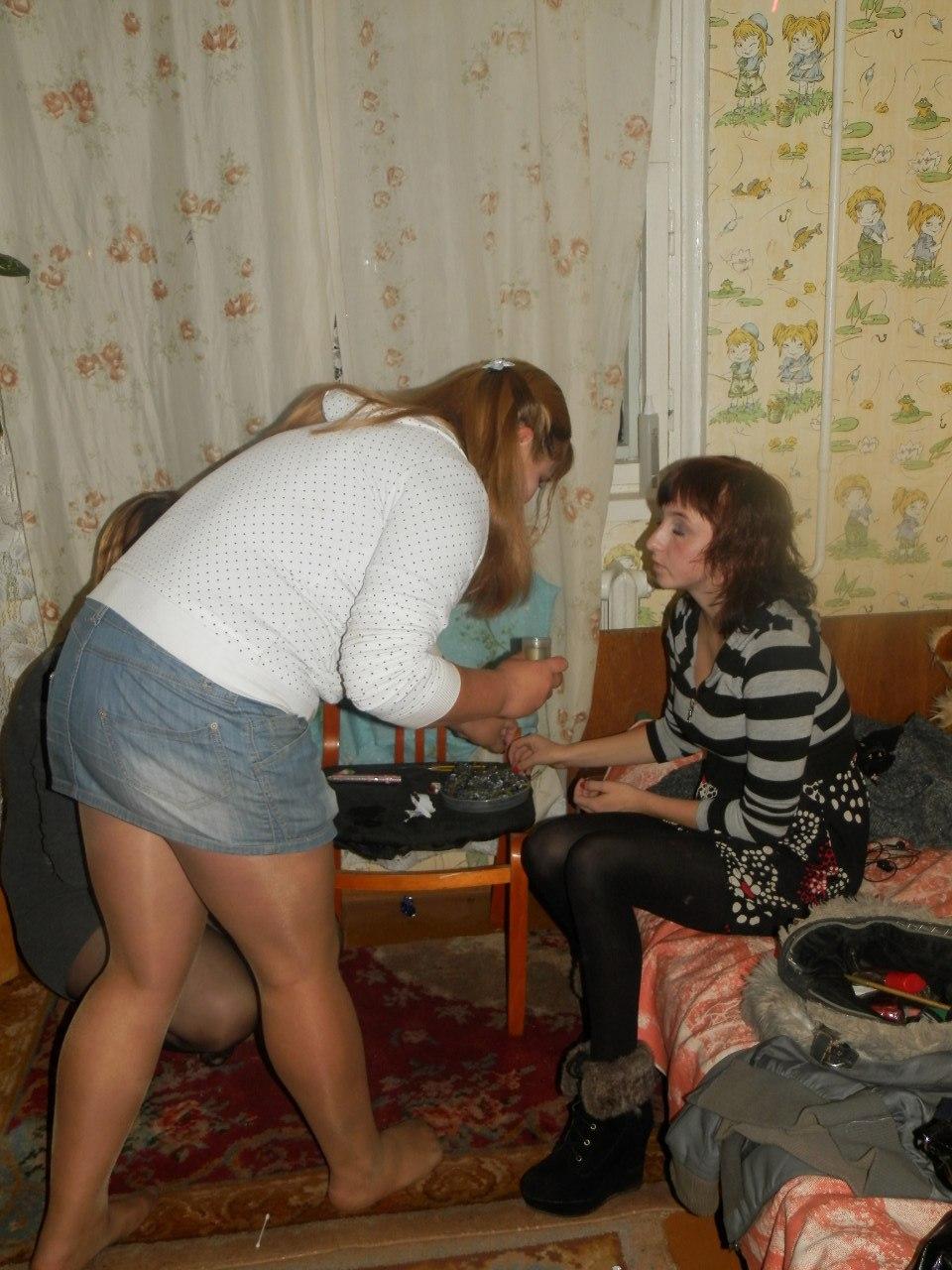 Девушка засветилась без трусиков ВКонтакте